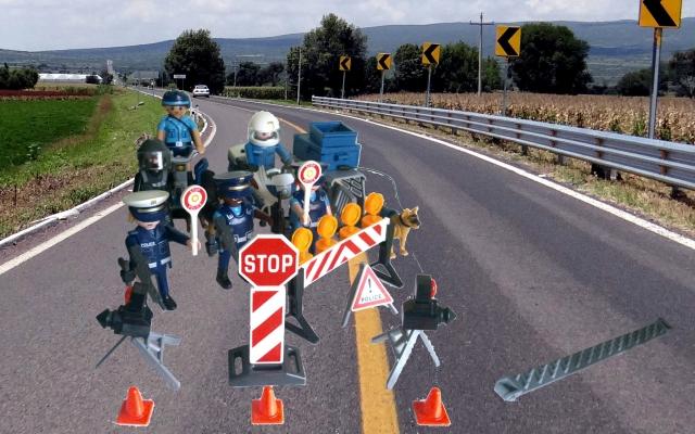 Control policial Playmobil con agentes, policias, perros y radares